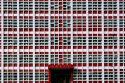 Façade fenêtres géométriques rouge noir blanc en Chine