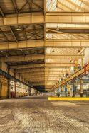 Ken Loach et Paul Laverty parlent d'Amazon entrepôt GAFAM usine machines automatisation