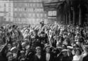 Image économie de pandémie économie de guerre WW1 War Economy« Nous sommes en guerre. » Vraiment ? Contrairement à une croyance répandue, les économies de guerre ne sont pas des parenthèses dans le temps, elles sont transformatrices et emportent des conséquences de long terme. À ce titre, il faut avoir en tête les leçons du passé pour appréhender cette « économie de pandémie » que nous vivons. Un bref essai d'histoire économique.