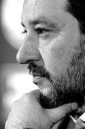 Portrait photo N&B de Matteo Salvini Comment devient-on salviniste ? italie poltiique intérieure parti Lega