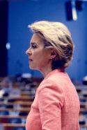 Photo Ursula von der Leyen discours Une Union toujours plus géopolitique ? Union européenne politique plan de relance contre la crise du Covid-19 Commission géopolitique Bruxelles Bulles