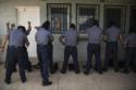 Photo policiers Salvador Les Gangs du Président. Deuxième partie cartels violence brutalité
