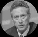Photo portrait Olivier Blanchard bilan économique de la pandémie de crise du Covid-19 coronavirus et économie post-vaccin télétravail dette publique banques centrales BCE